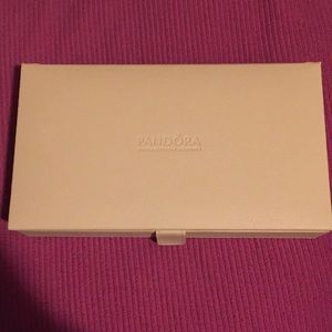 Pandora jewelry box & brooch included !!